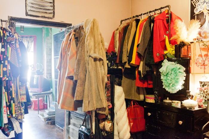 agnes_thor_nilea_alexander_newyorknests_292_056D walk in closet