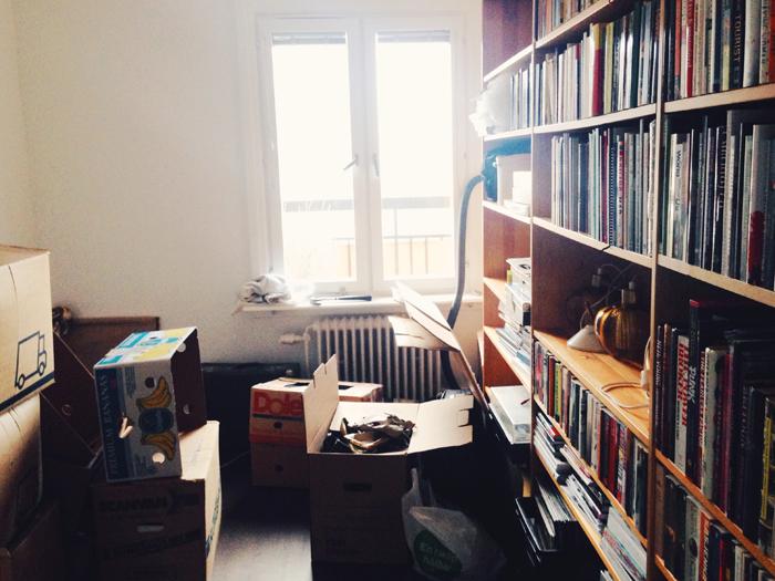 ett-rum-till-flyttkaos-bokhylla