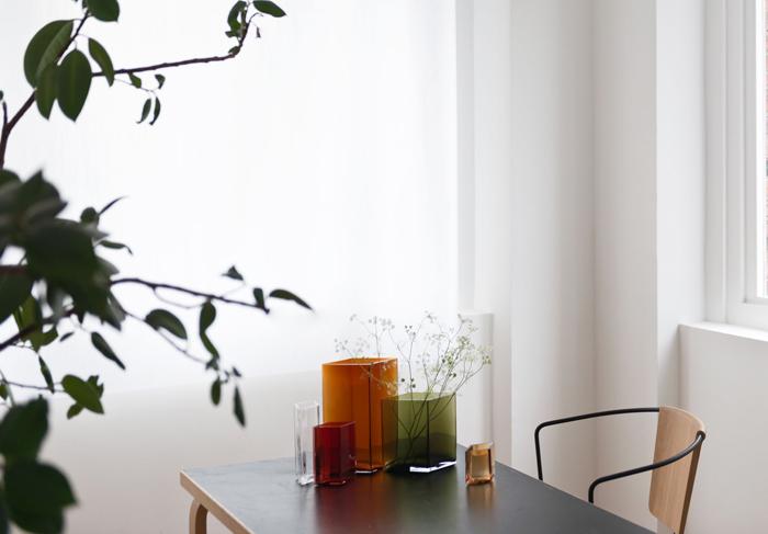Bouroullec-vaser-Ruutu-iittala-inredning-blommor
