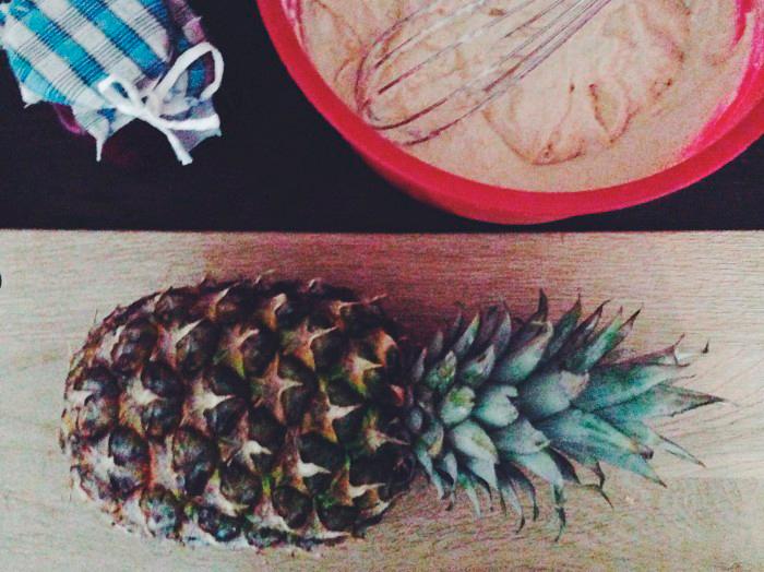 godaste-receptet-amerikanska-pannkakor-ananas-hemgjord-vinbärssylt