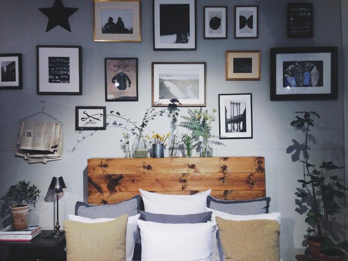 lexington-urban-collective-bäddning-lakan-säng-sänggavel-tavelvägg-konst-stilleben-blommor 223
