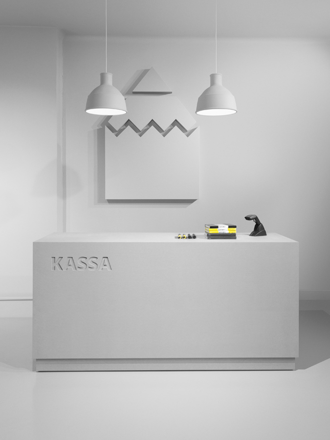Form-us-with-love-pen-store-design-kassa