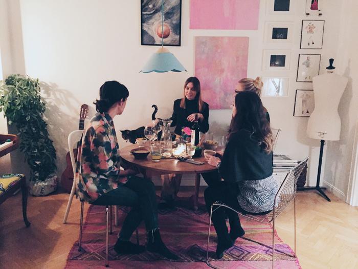 matplats-bokklubb-konst-tavelvägg-inspiration-rosa 2