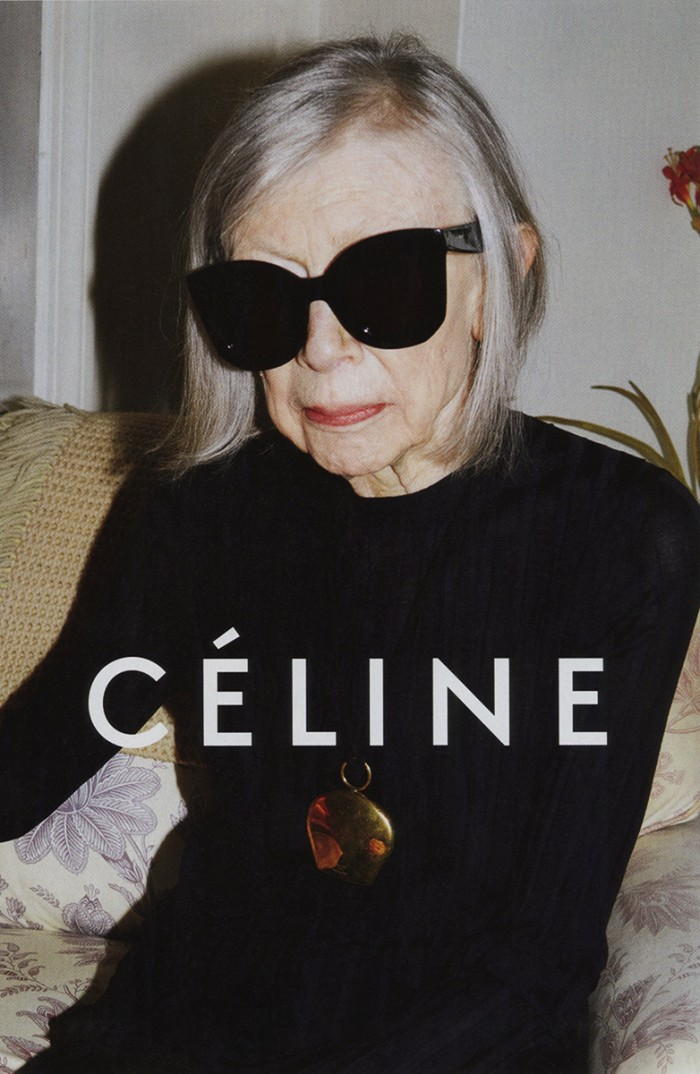 Och apropå samarbeten som gör en glad – hur cool är inte Joan Didion plåtad av Juergen Teller för Céline?!?! I februari går vi och ser vi Ett år av magiskt tänkande på Dramaten.